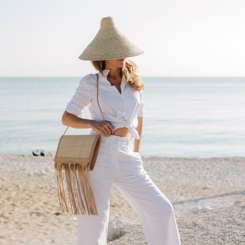 Cone-nastro-bianco-cappello-di-paglia-donna-montegallo