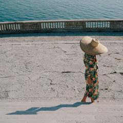 Rossella-nastro-verde-oliva-cappello-di-paglia-donna-montegallo
